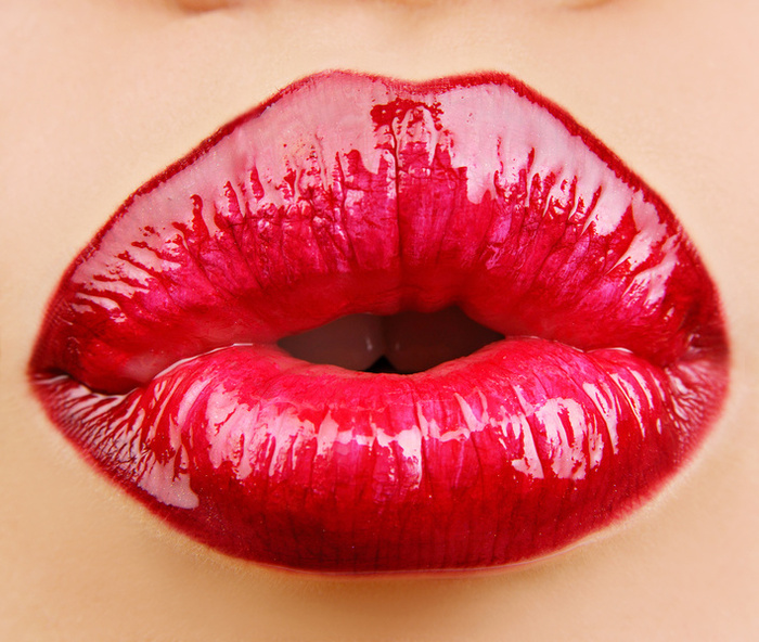 Kiss And Makeup Day: Get Valentine's Day-perfect Makeup